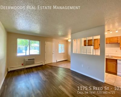 Grassy Courtyard, Pet Friendly, Lakewood Rec Center Close By