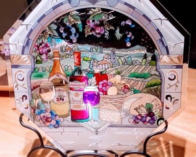 Stained glass plate art with metal stand
