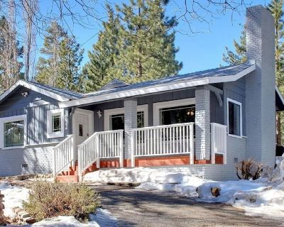 Charming Mountain Home 3 Bedroom, with WiFi, Hot Tub, Deck and Foosball Table - Big Bear Lake