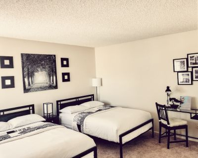 Private Room with Bathroom - Palmdale