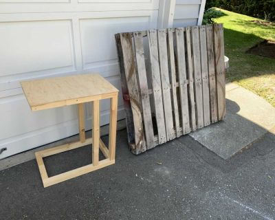 Free pallet and table!