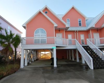 Beautiful and Spacious Beach Home with Great Gulf Views!! - Fort Morgan