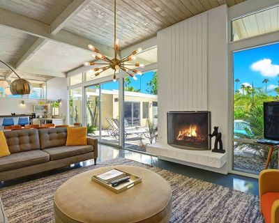 """MidCentury Modern Pool Home in Twin Palms area. """"Living Retro"""" Cover Home - Retr - Twin Palms"""