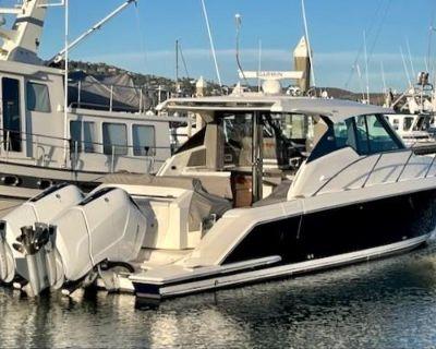 2022 Tiara Yachts 43LE