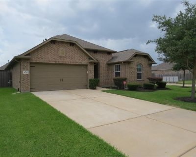 16035 Laura Beth Drive, Hockley, TX 77447