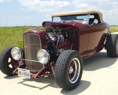1932 Ford Antique