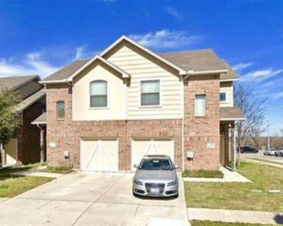 8400 Jay St, White Settlement, TX 76108 3 Bedroom Condo