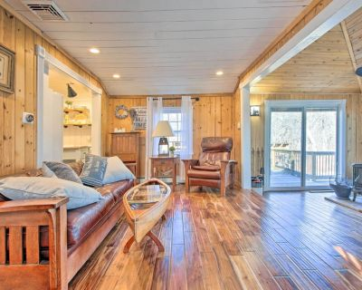 NEW! Lakefront Cottage w/ Fire Pit, Grill & Views! - Coventry Lake