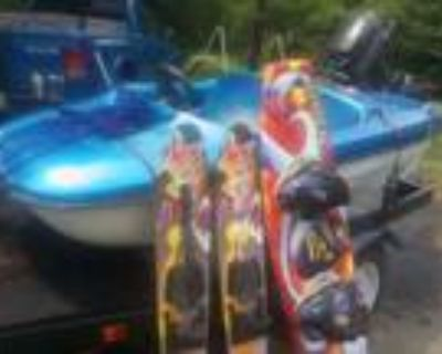 7 foot Wooster Hellion Seater Mini power Boat
