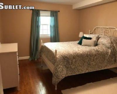 One Bedroom In Arlington