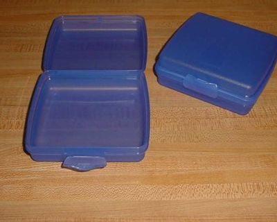 Barely Used Vintage Set Of 2 Tupperware Hinged Opening With Snap-Closure Lunch Box Sandwich Keepers. Keeps Your Lunch & Snacks Intact. No...
