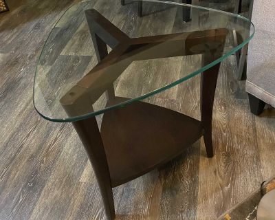 Glass and wood end/side table, very good condition