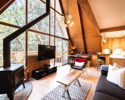 The Ultimate A-FRAME Cabin with HotTub /Fire Pit / Dogs ok - Crest Park