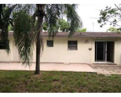 3 Bed 2 Bath Foreclosure Property in Naples, FL 34102 - 8th St N