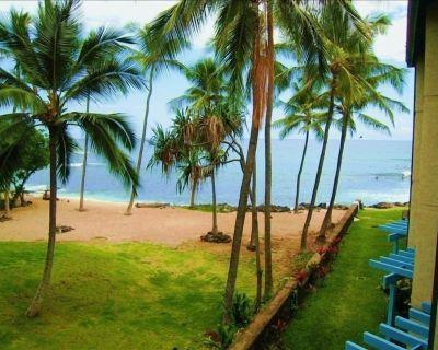 Kona Reef Condo on Beach with Ocean View, Wifi, King bed & Elevator - Historic Kailua Village