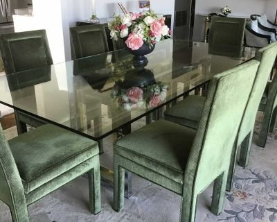HIGH END * DINING TABLE * Glass+Metal PRICE DROPCheck Wayfair ad included