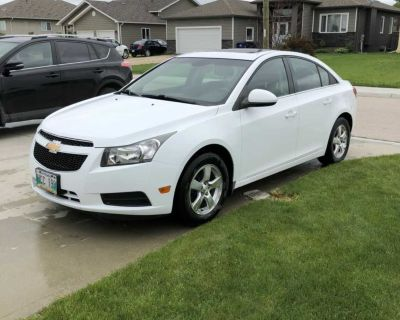 White Chevy Cruze 2012, great commuter, fresh safety
