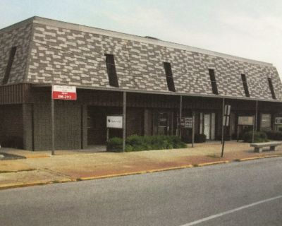 Office Suites in Downtown Jeffersonville For Lease