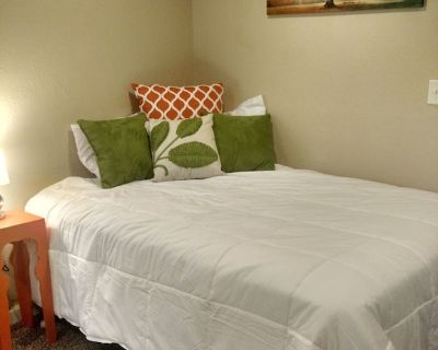 Remodeled Creekside Suite in Downtown Manitou Springs Lic#9244 - Manitou Springs Historic District