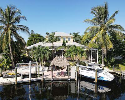 Villa Sunrise One - dreamlike villa in best location - bookable with Jet Boat - Yacht Club