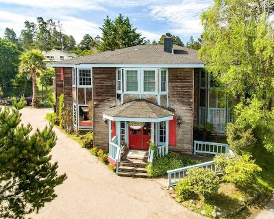 Cambria - Affordable Mansion Perfect for a Friends / Family Gathering of 15-20+! - Lodge Hill