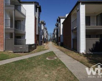 1400 Clarewood Dr, San Marcos, TX 78666 3 Bedroom Apartment
