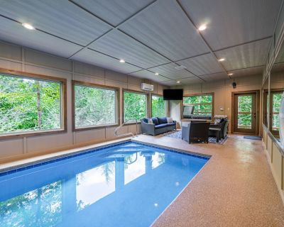 Luxury Cabin with Indoor Pool, Theatre Room, Fire Pit and so much More! - Pigeon Forge