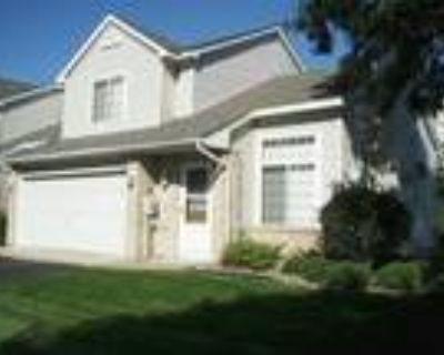 IDEAL END UNIT WOODBURY TOWN HOME! PERFECT LOCATION! WALK TO TRADER JOE S!!