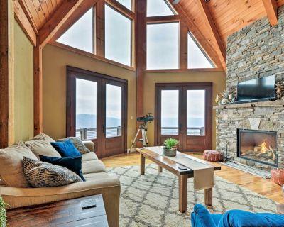 The Barn House: Caldwell Mtn Retreat w/ Hot Tub! - Caldwell