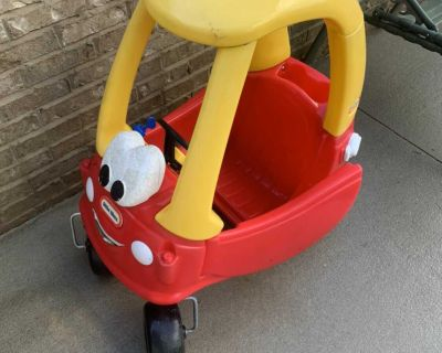 Cozy coupe play car