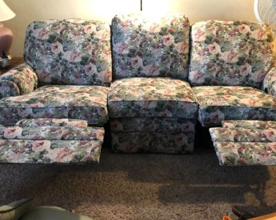 Couch, dual recliners
