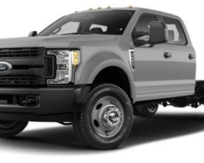 2018 Ford Super Duty F-550 Chassis Cab Lariat