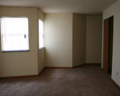 364 Burr Oak Blvd #16, Nelsonville, OH 45764 3 Bedroom Apartment