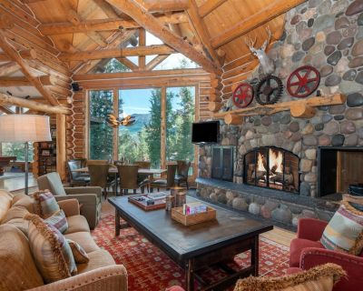 Charming Ski-In/Out Log Home w/Free WiFi, Private Hot Tub, Wood Fireplace, W/D - Mountain Village