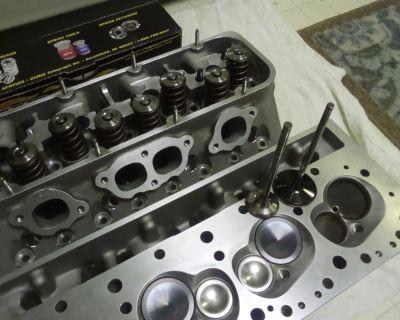 New GM SB2.2 heads11-99 castings black plug