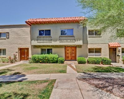 1/4 mile to old town~Steps From The Pool - Casa Granada East Townhouses