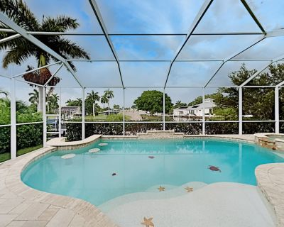 Luxe Waterfront Escape   Heated Pool, Hot Tub, Gulf Access   Stroll to Beach - Yacht Club