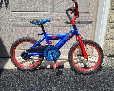 """16"""" Spider-Man bike"""