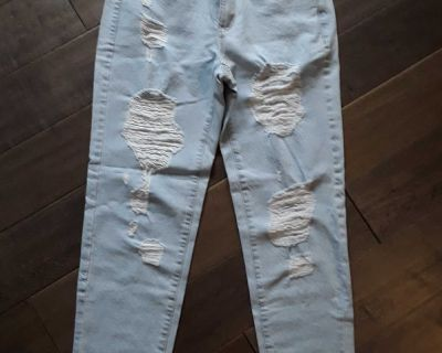 Garage Mom Jean's Size 5 (Brand New With Tags On $56.95) Selling for $35