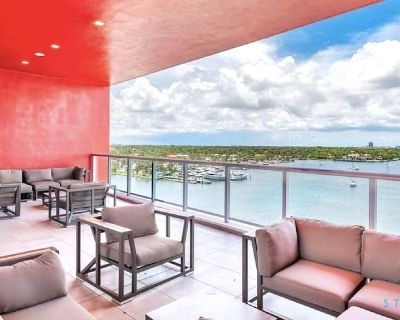 5 Tropical Oasis | ROOFTOP infinity POOL + Hot Tub on Hollywood Boardwalk- - Hollywood Beach