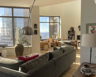 Stunning 4 Bedroom Duplex Penthouse With 4.5 Bathrooms and Balcony - Financial District