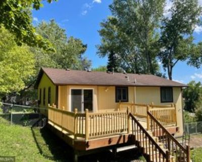 2575 Ruth St, Roseville, MN 55117 4 Bedroom Apartment