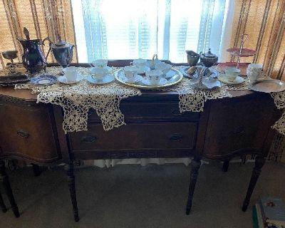 Piestewa Peak Family Home Estate Sale (occupied)