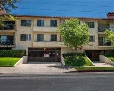9960 Owensmouth Ave #34, Los Angeles, CA 91311 2 Bedroom Condo