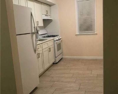 1384474 Lovely Beechhurst 2 Bedroom Apartment for Rent.
