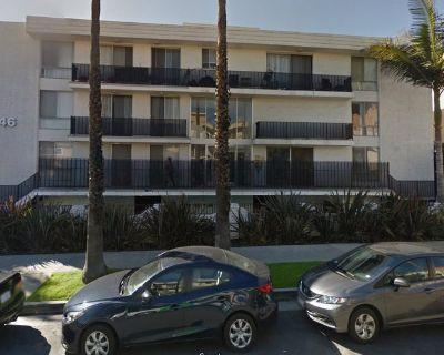 Room for rent blocks from beach in Santa Monica