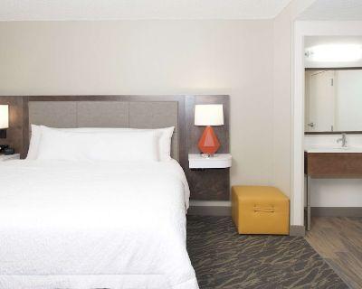 2-Bedroom Suite at Hampton Inn & Suites N. Ft. Worth-Alliance Airport by Suiteness - Roanoke