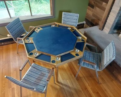 poker/game table w/chairs!