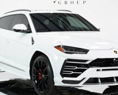 2019 Lamborghini Urus Standard