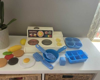 Fisher price stove and food vintage